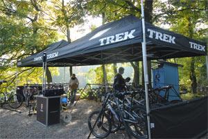 Wien Kahlenberg - 8. Oktober <br />Mountainbiker.at Testival<br>Um 8.30 Uhr steht die 2011er Testflotte von TREK bereit<br />