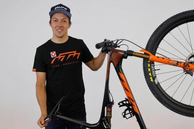Max Foidl mit dem neuen KTM Scarp Exonic (Foto: Heiko Mandl, KTM)